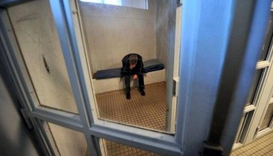 L'homme contrôlé avec de la résine de cannabis était recherché dans le cadre d'une condamnation (Illustration)