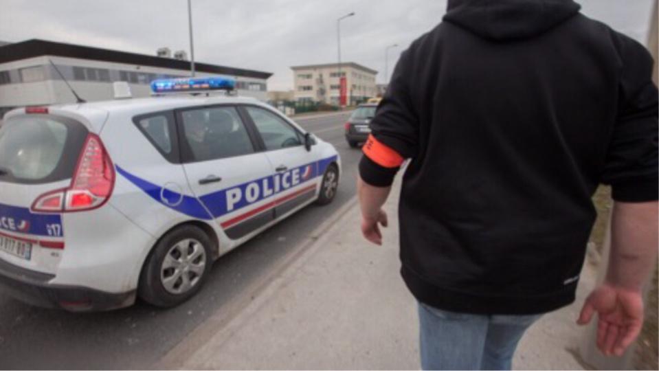 Le véhicule à bord duquel ont pris la fuite les deux agresseuses a été rapidement intercepté par les policiers (Illustration © DGPN)