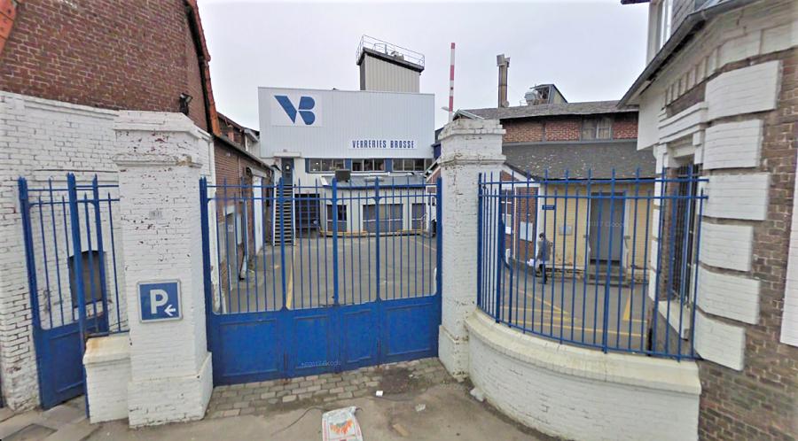 Fondées en 1854, les Verreries Brosse est spécialisée dans la fabrication de flacons pour la parfumerie (Illustration © Google Maps)