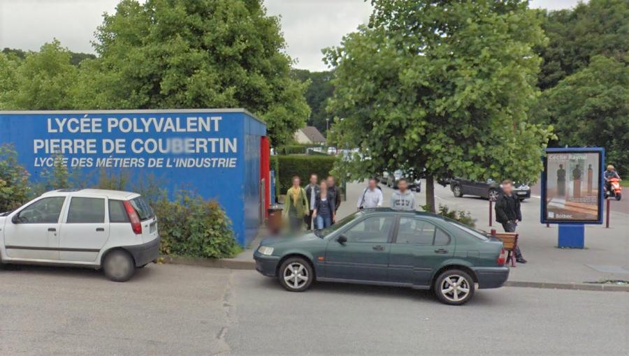 Le lycée polyvalent Pierre de Coubertin de Bolbec est implanté à la limite de la commune de Sainte-Eustache-la-Forêt (Illustration © Google Maps)