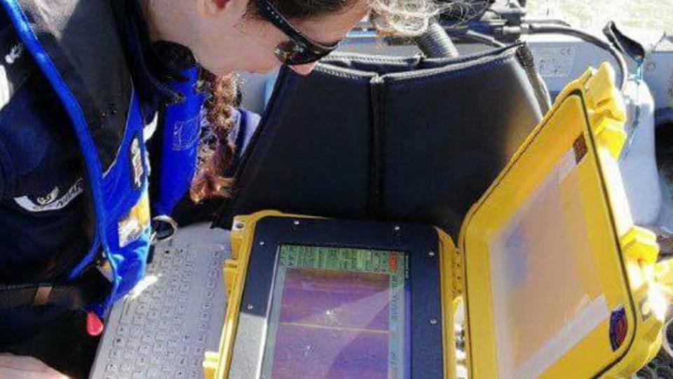 Les gendarmes utilisent un sonar pour inspecter les fonds de l'Andelle et de la Seine (Photo @ gendarmerie de l'Eure)
