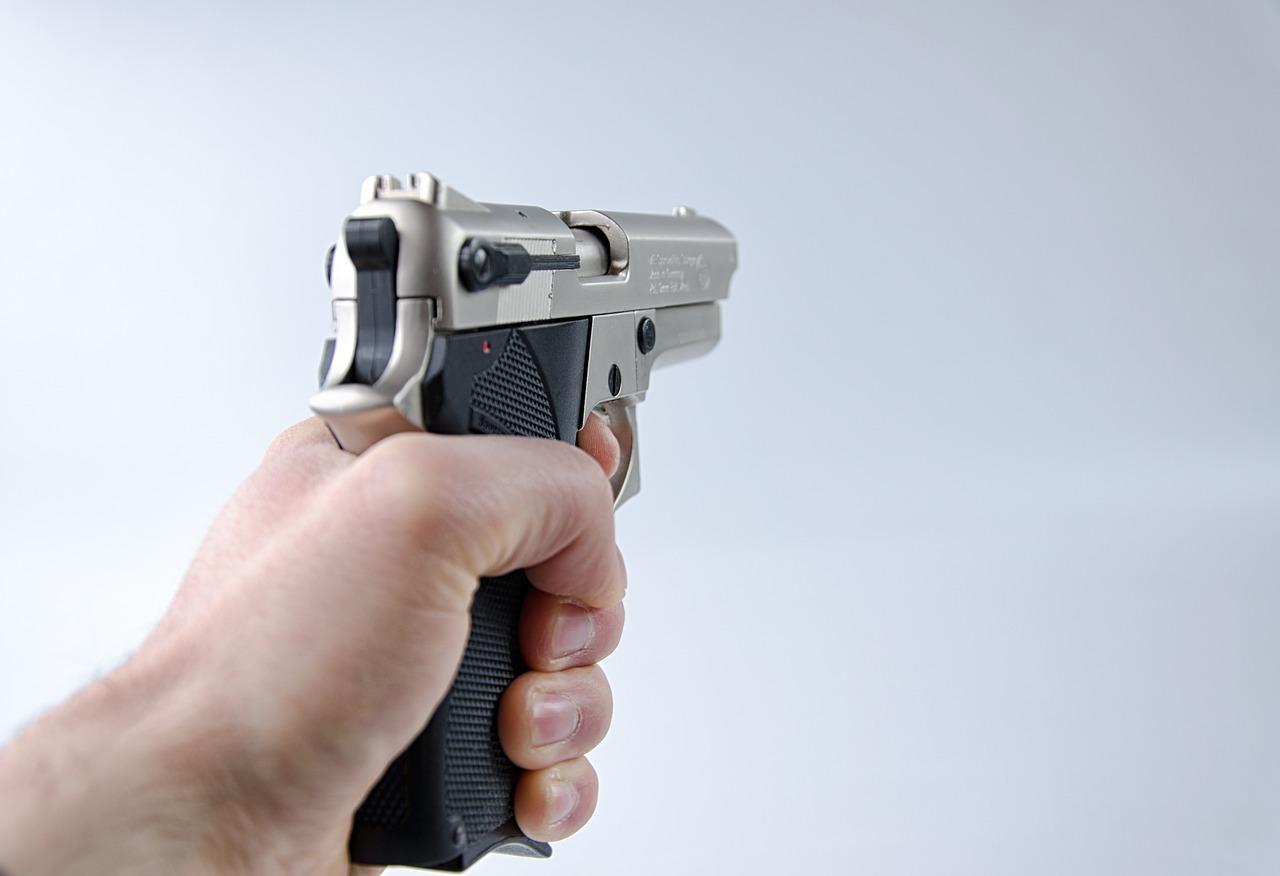 L'arme utilisée serait un pistolet à grenailles ou à plomb - Illustration © Pixabay