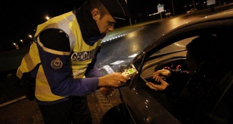 L'automobiliste a refusé de souffler dans l'éthylotest et de présenter ses papiers - Illustration © Gendarmerie