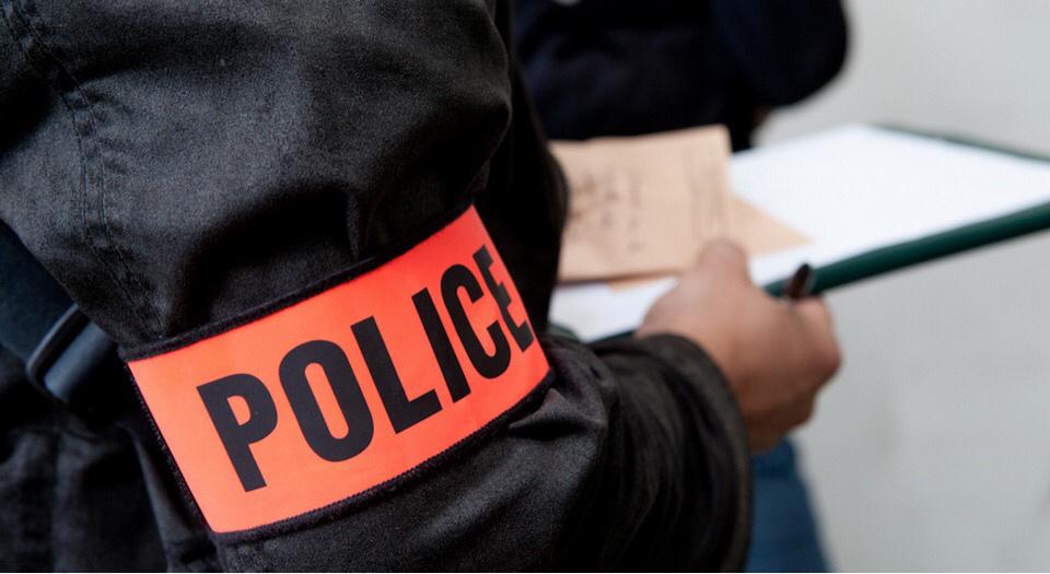 Les enquêteurs ont procédé à des relevés de traces et indices sur les lieux du cambriolage - Illustration © DGPN