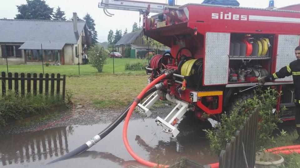 Depuis la nuit de lundi, les sapeurs-pompiers sont intervenus à 354 reprises sur l'ensemble du département - Photo @ Préfecture de l'Eure / Twitter