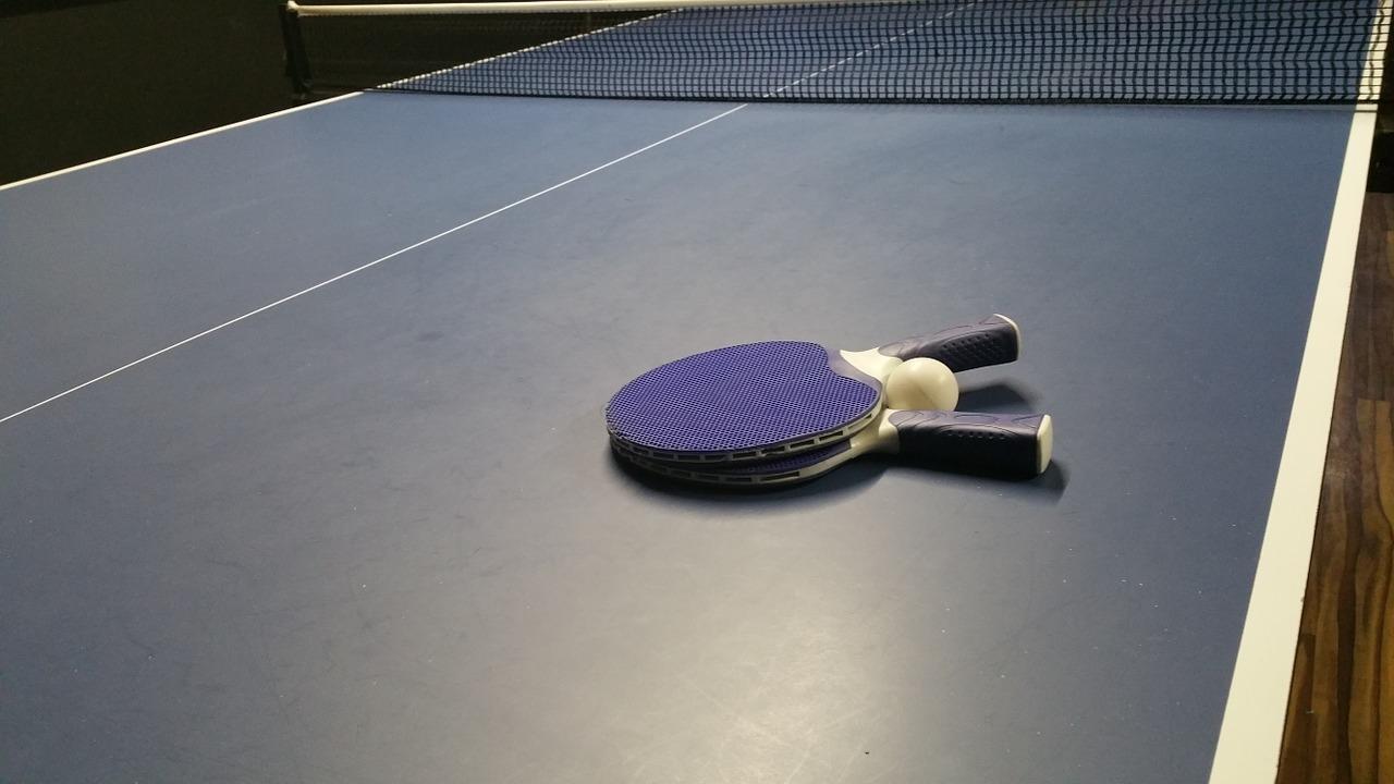 Les vandales ont vidé le contenu de plusieurs extincteurs sur trois tables de tennis de table - Illustration © Pixabay