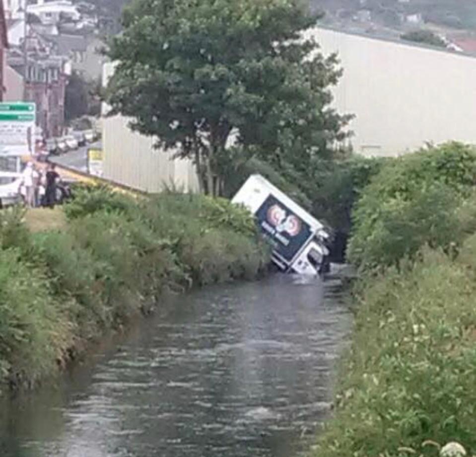 Les freins du camion auraient lâchés - Photo @ ville de Fécamp / Facebook