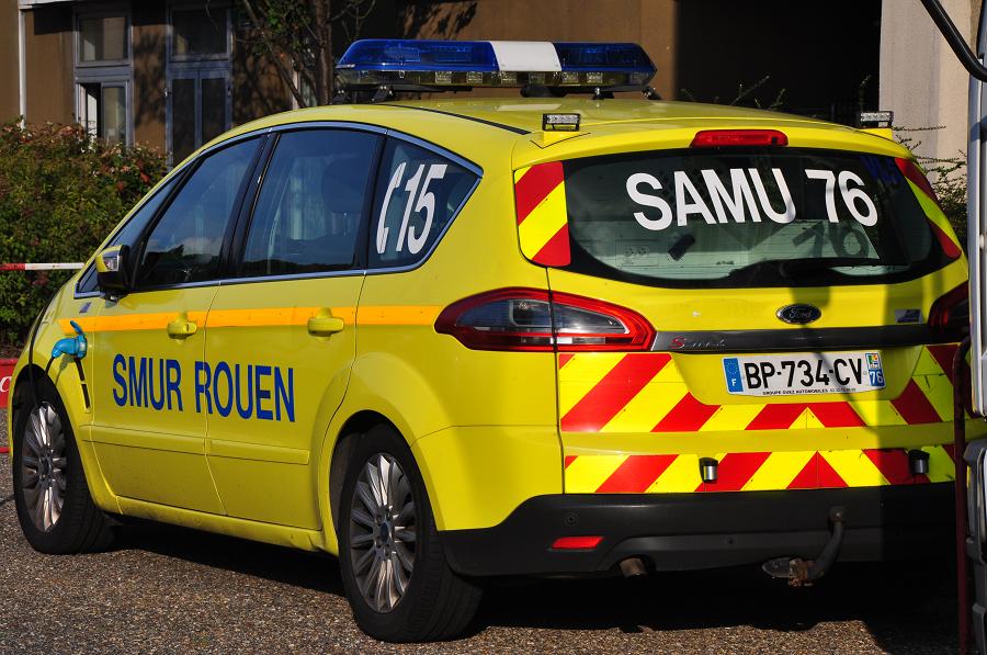 Médicalisé par le SAMU, le conducteur a été transporté au CHU de Rouen, avec un pronostic vital engagé  -Illustration © infonormandie