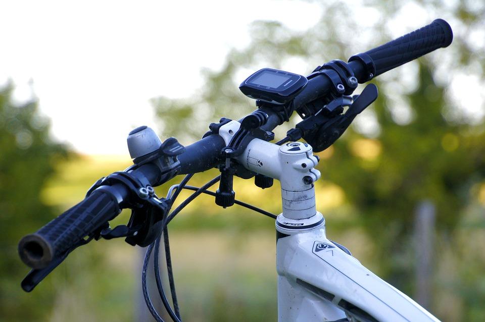 Le VTT et le vélo pliable ont été restitués à leurs légitimes propriétaires après l'arrestation des voleurs - Illustration © Pixabay