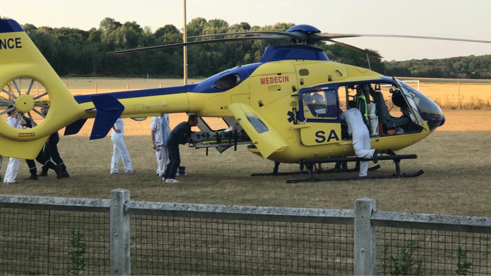 L'hélicoptère du SAMU 76 a dû faire deux rotations pour évacuer les blessés graves vers l'hôpital Charles-Nicolle - illustration @ Infonormandie
