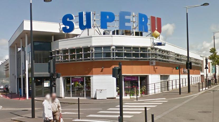 Les agents de surveillance de l'hypermarché ont mis fin au manège des deux voleurs - illustration © Google Maps
