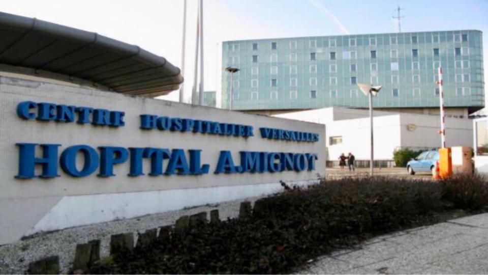Le quadragénaire a été admis à l'hôpital André Mignot - illustration