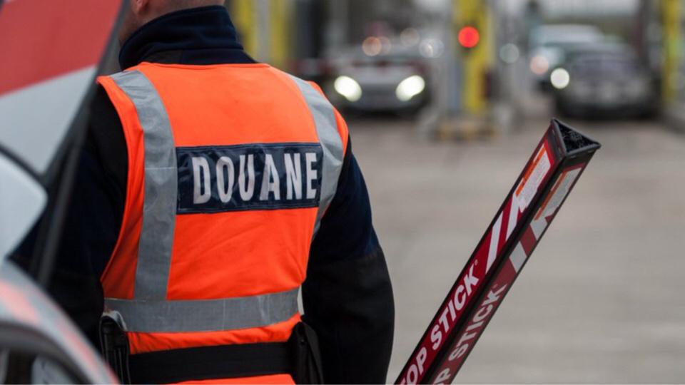 Le véhicule suspect a été intercepté au péage de Beuzeville, dans l'Eure, lors d'un contrôle de la douane - Illustration @Douane