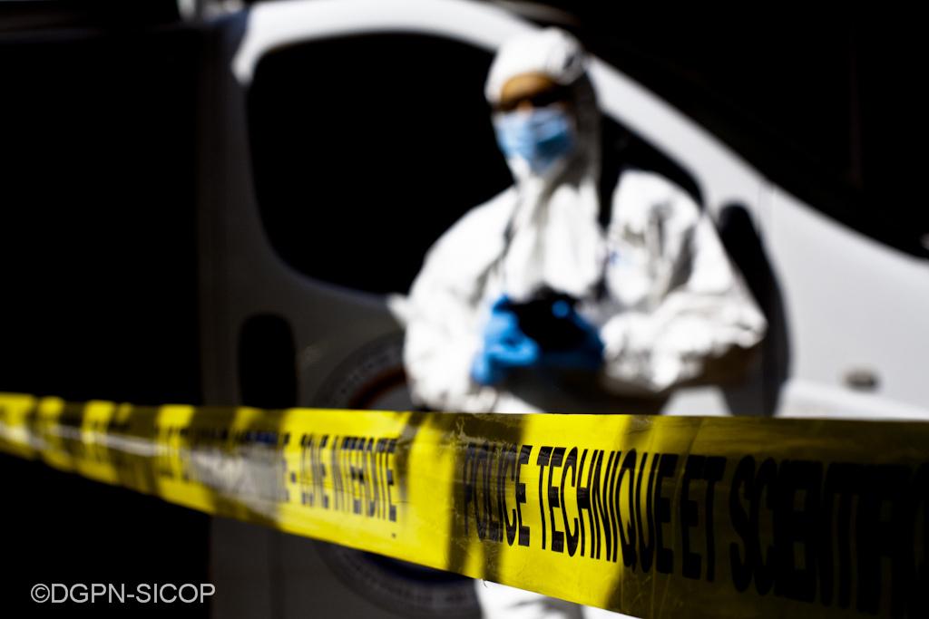 La police technique et scientifique a procédé à des investigations sur la scène de crime - Illustration
