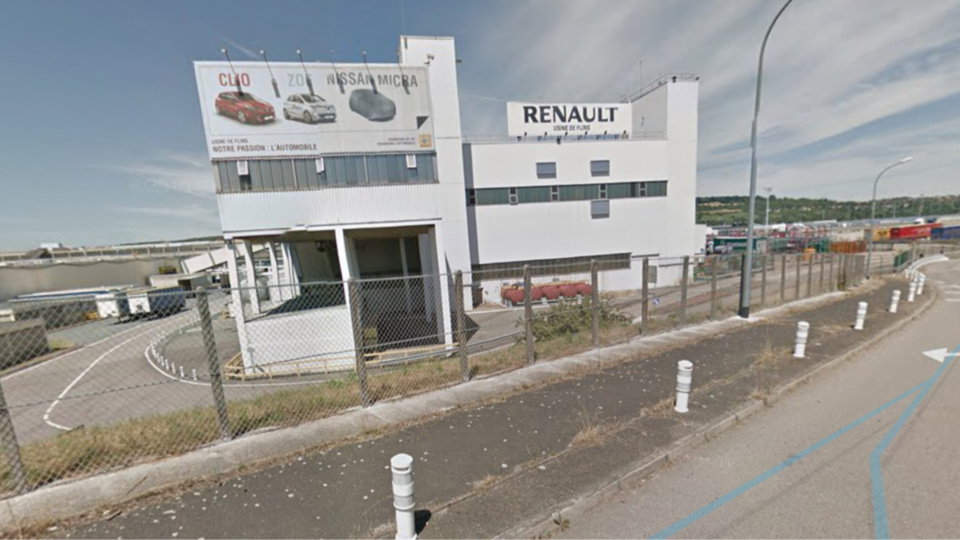 Le routier a été découvert sans vie dans son camion près de l'usine Renault - illustration
