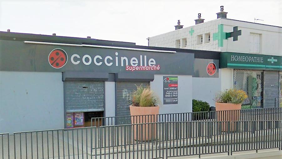 La caissière du supermarché a refusé de remettre la recette au malfaiteur - Illustration © Google Maps