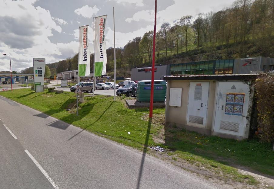 Plusieurs commerces situés dans le périmètre du transformateur, près d'Intermarché, ont été impactés par la coupure d'électricité - Illustration © Google Maps