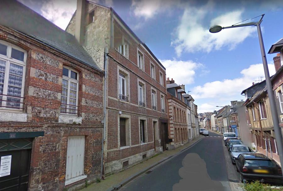 L'immeuble, situé rue Arquaise, a été évacué par précaution. Il sera examiné par des spécialistes dans les prochaines heures - Illustration © Google Maps