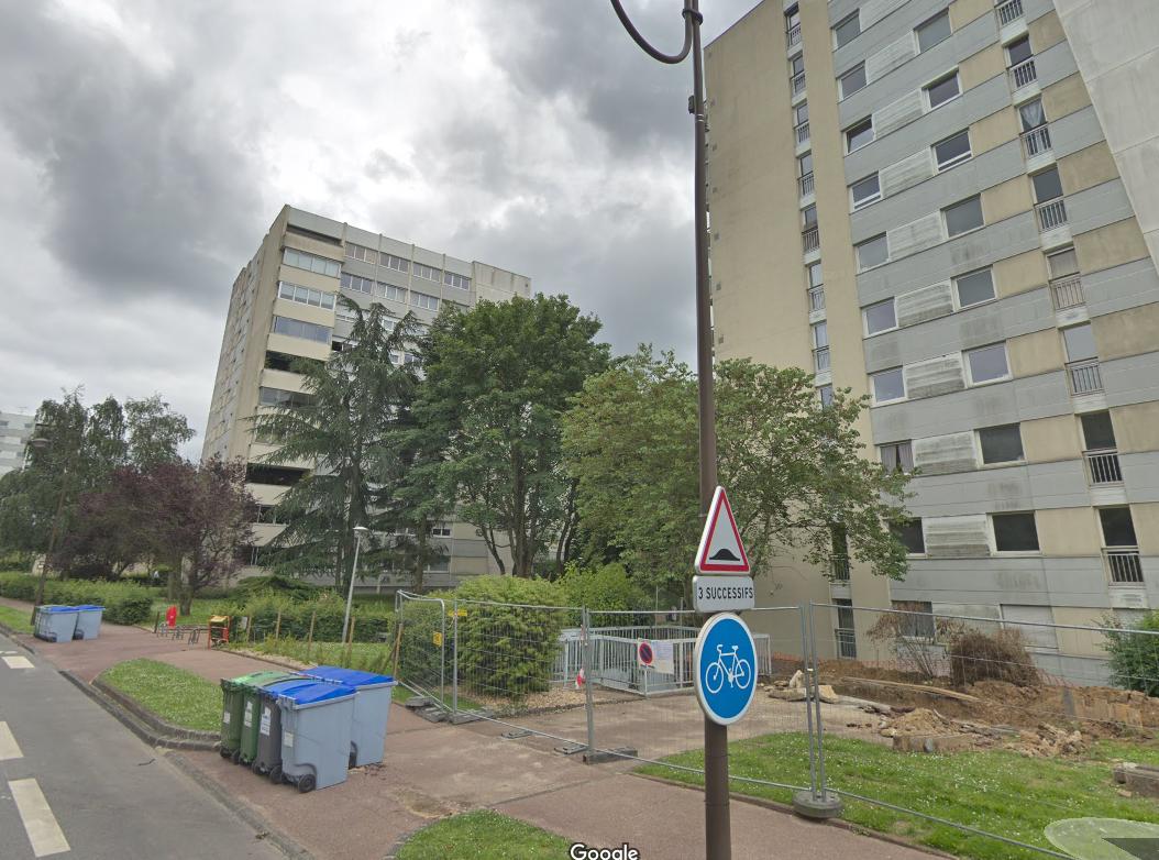 La quadragénaire est tombée du 10e étage - Illustration © Google Maps
