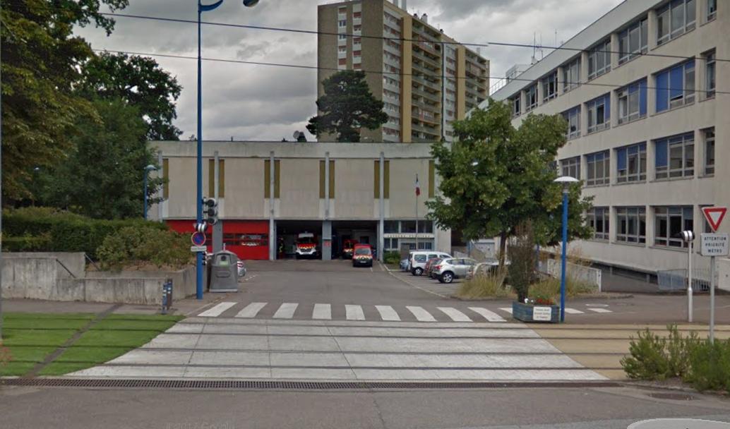 Le ou les cambrioleurs ont pénétré par l'arrière de la caserne - Illustration ® Google Maps