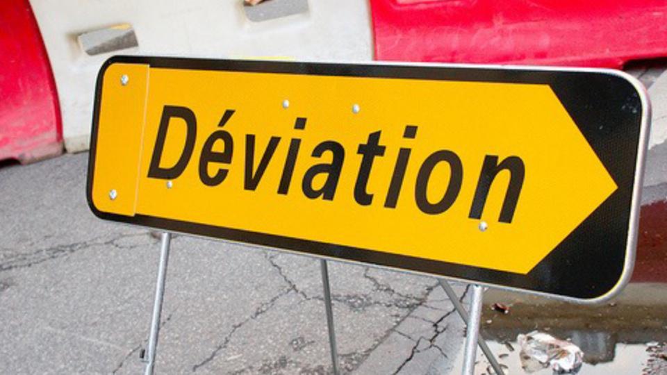 Le trafic est dévié vers Dieppe le temps de relever le poids lourd - Illustration @ infonormandie