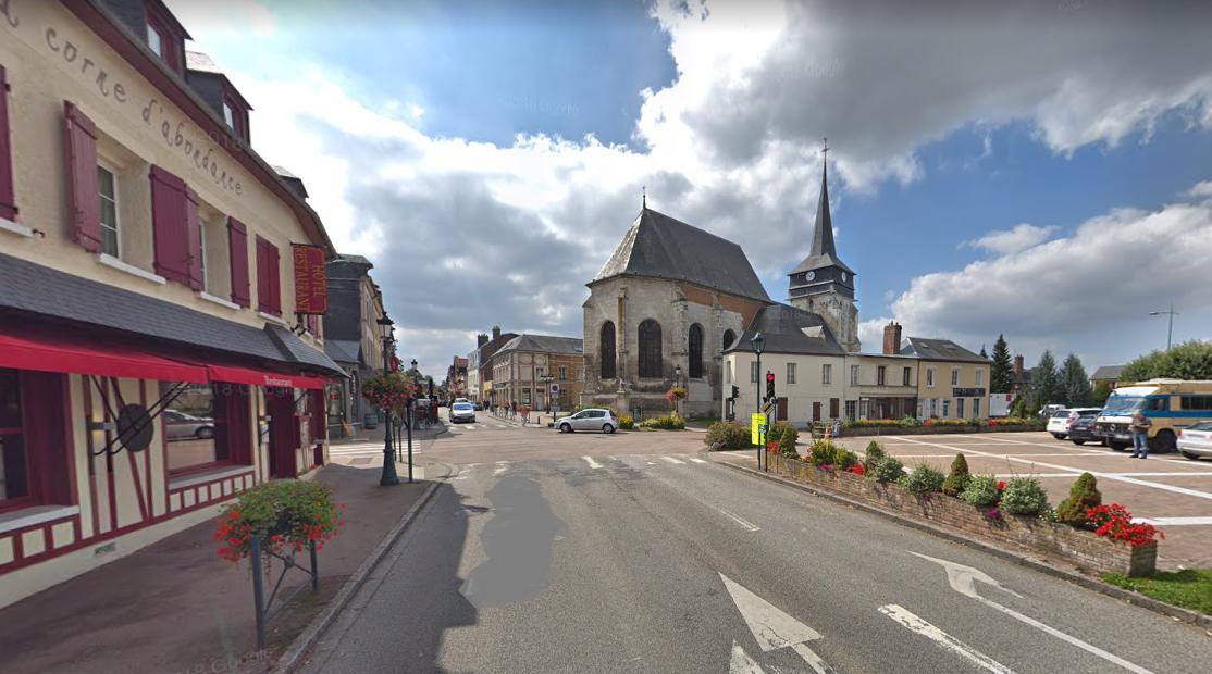 Grand Bourgtheroulde (3 700 habitants) dans l'Eure a été choisi pour le lancement le grand débat national - Illustration