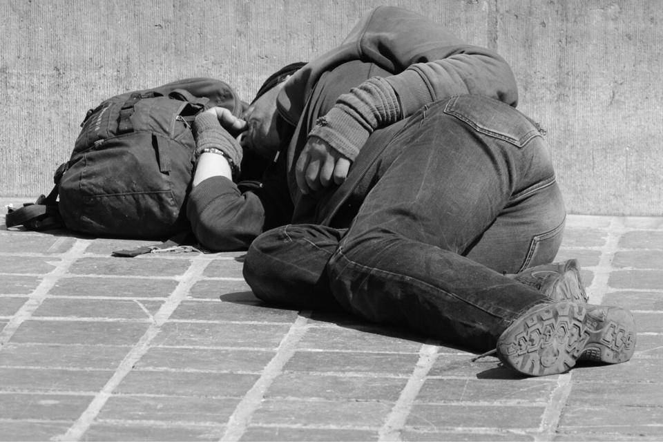 «Au cours de cette période, appeler le 115 pour signaler une personne en détresse dans la rue est un geste citoyen», rappelle la préfecture de l'Eure - illustration @ Pixabay