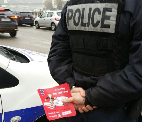 Opération de prévention hier à Rouen  - Photo © DDSP76