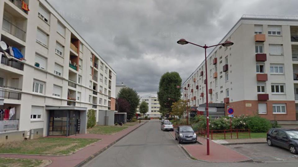 Le drame s'est déroulé en pleine nuit dans un des immeubles de la rue de La Rochelle au Puchot, à Elbeuf - Illustration
