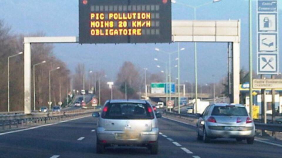 Réduction de la vitesse sur les autoroutes et voies rapides - Illustration