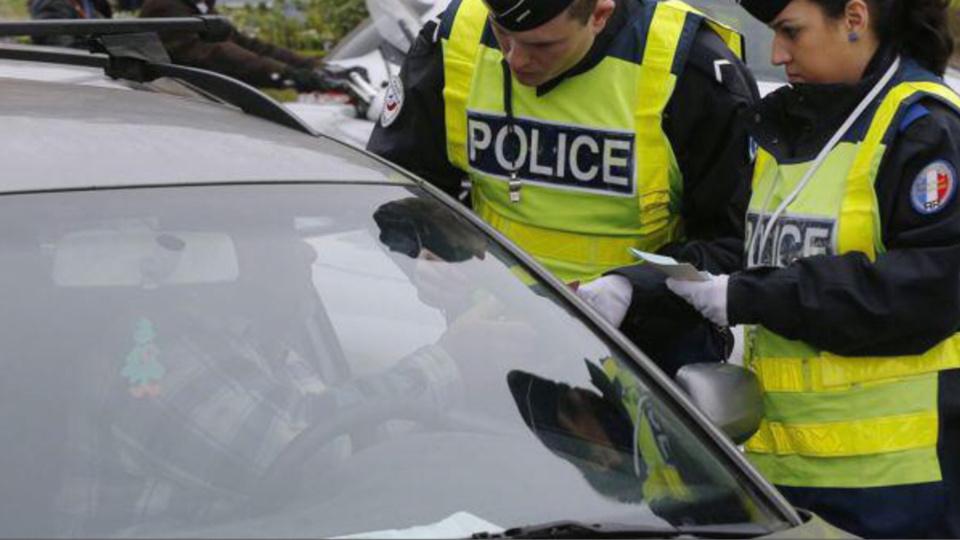 Contrôlés sans permis, les conducteurs ont été placés en garde à vue - illustration
