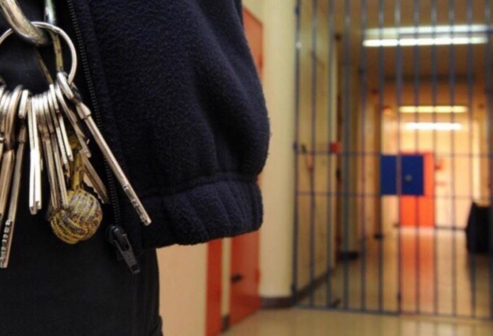 Un surveillant blessé à la gorge par un détenu radicalisé à la prison de Château-Thierry (Aisne)