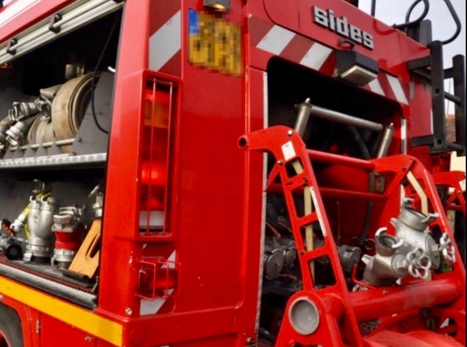 Vingt-neuf sapeurs-pompiers sont intervenus cette nuit sur ce violent incendie à Ailly - Illustration @ Infonormandie
