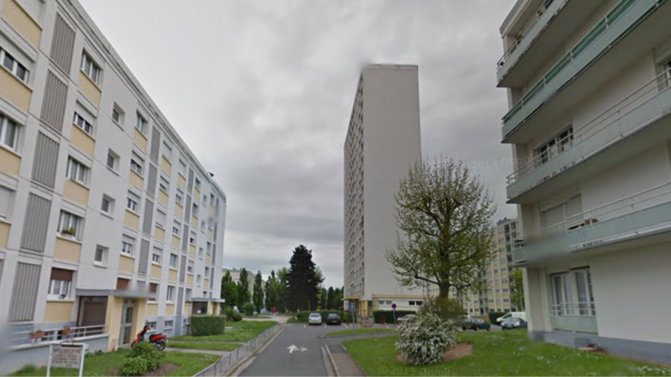 L'enfant est tombé du 8eme étage d'un immeuble du parc de l'Epte - Illustration