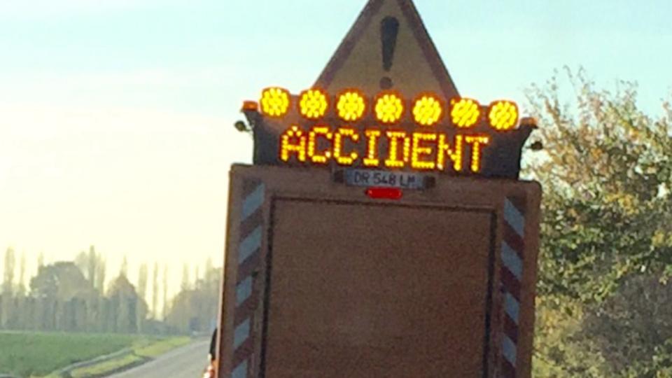 La circulation a été interrompue le temps de l'évacuation du poids-lourd accidenté - Illustration © infonormandie
