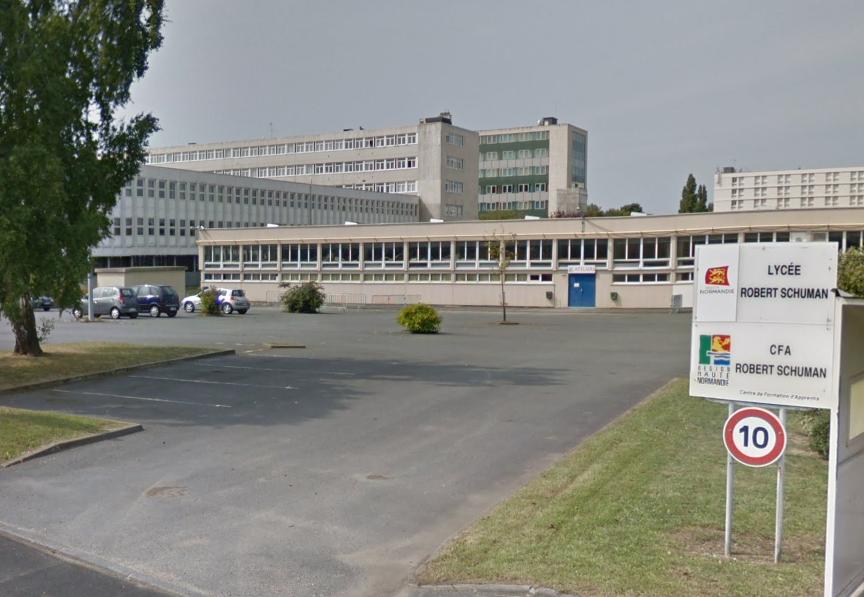 Le jeune homme s'est introduit dans son ancien lycée sans y être autorisé, et a pris à partie le proviseur etun CPE - Illustration © Google Maps