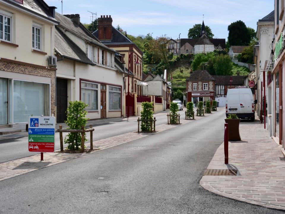 Dans l'Eure, Saint-Pierre-du-Vauvray s'offre un nouveau look au prix de huit mois de travaux