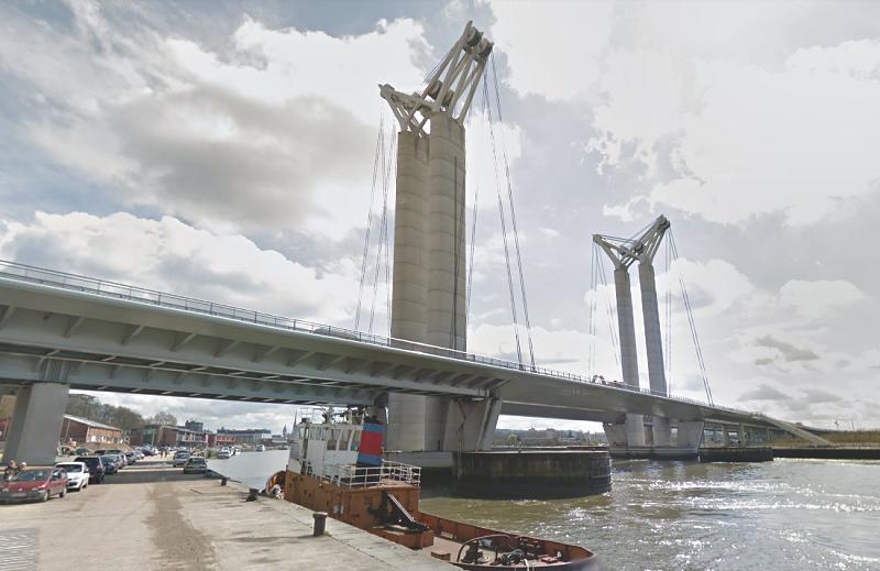 Le pont Flaubert va se lever à de multiples reprises pour laisser passer les bateaux de l'Armada - Illustration
