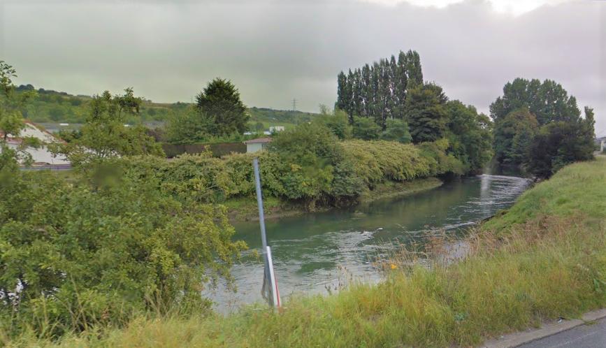 La femme, alcoolisée, s'était cachée dans les fougères en bordure de la rivière l'Arque après avoir provoqué un accident matériel - Illustration