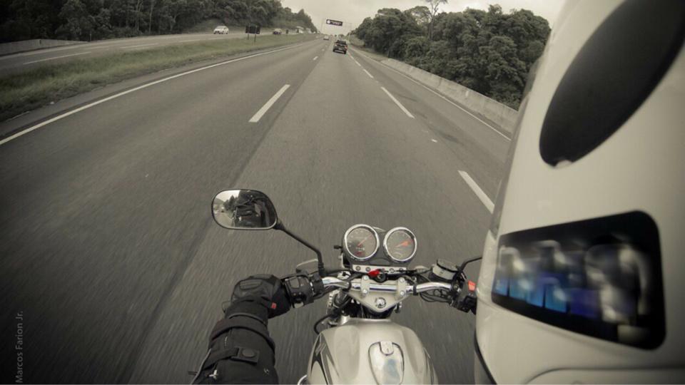 La moto roulait à une allure normale, ont indiqué les témoins de l'accident - illustration ® Pixabay