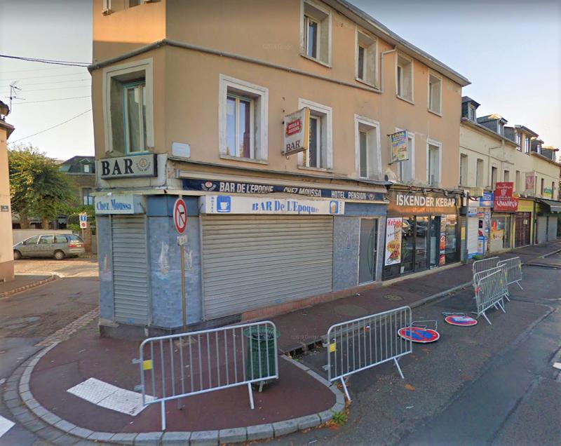 L'immeuble (ici avant l'effondrement)  avait fait l'objet d'un arrêté de péril imminent - Illustration © Google Maps
