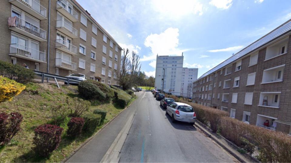 Le drame s'est produit rue de la Liberté à Notre-Dame-de-Bondeville. L'enfant est tombée du deuxième étage d'un immeuble - Illustration © Google Maps