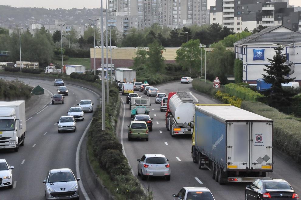 Le respect des distances de sécurité va faire l'objet de toute l'attention des services de police, en Seine-Maritime - illustration © infonormandie