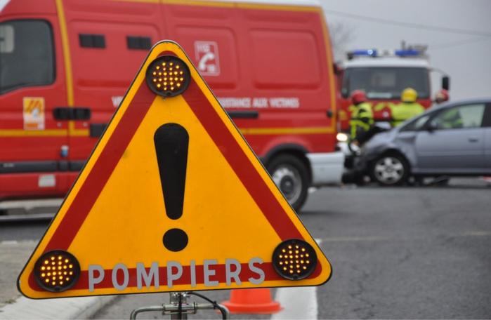 24 sapeurs-pompiers, dont une équipe spécialisée en risque chimique,sont intervenus sur le lieu de l'accident - Illustration