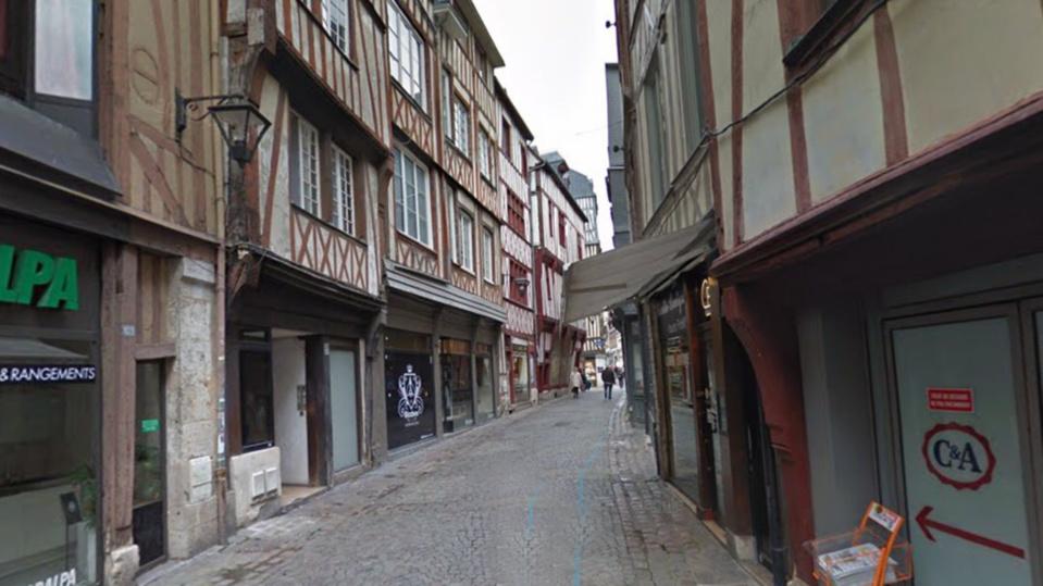 Rue de la Vicomté, dans le centre-ville de Rouen - illustration @ Google Maps