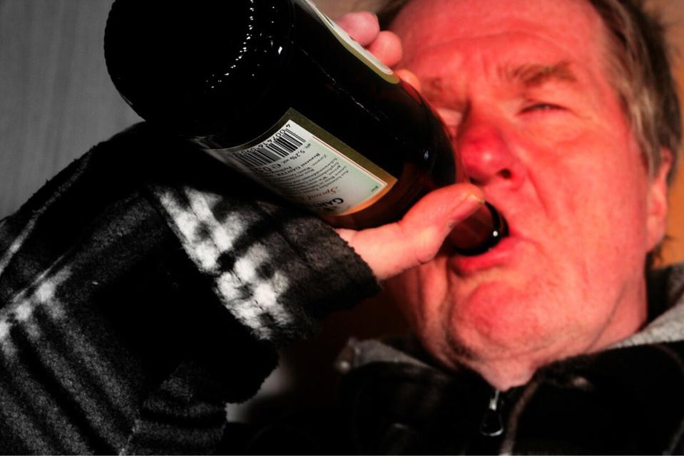 L'homme était ivre qu'il n'a pas retrouvé la porte de sortie - illustration @ Pixabay