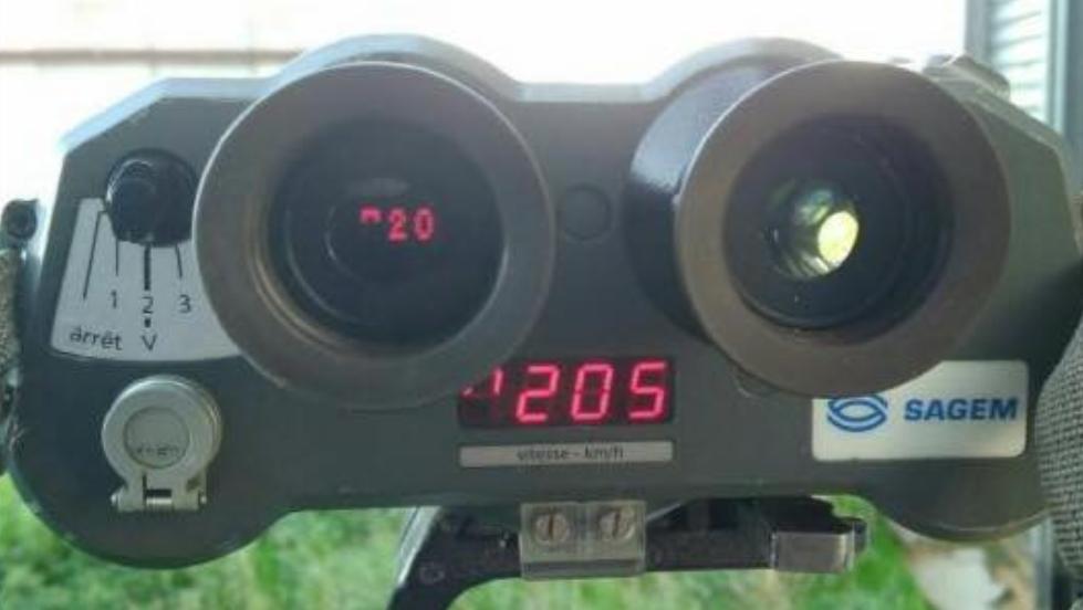 205 km/h sur une route où la vitesse est limitée à 80km/h - Photo © Gendarmerie 76