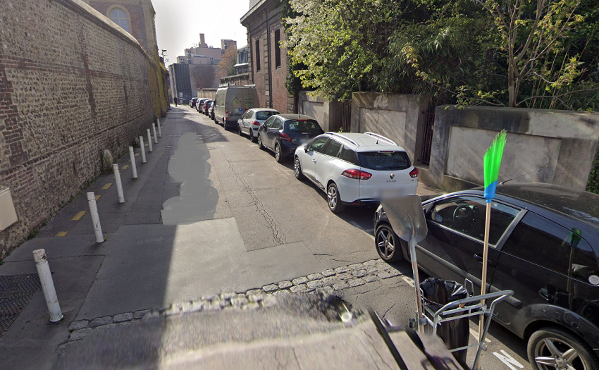 Dix véhicules en stationnement ont été foullés et dégradés - Illustration © Google Maps
