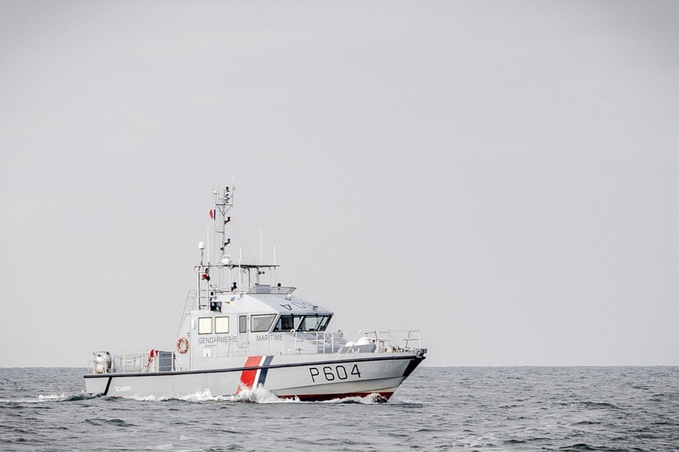 Les occupants de l'embarcation en panne ont été récupérés à bord de la vedette de la gendarmerie maritime - illustration @ Préfecture maritime