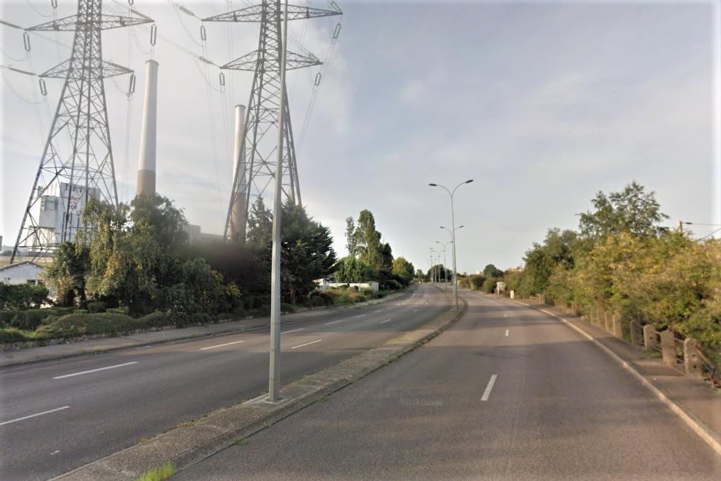Une voiture percute un candélabre au Havre, le passager est dans un état critique - InfoNormandie.com